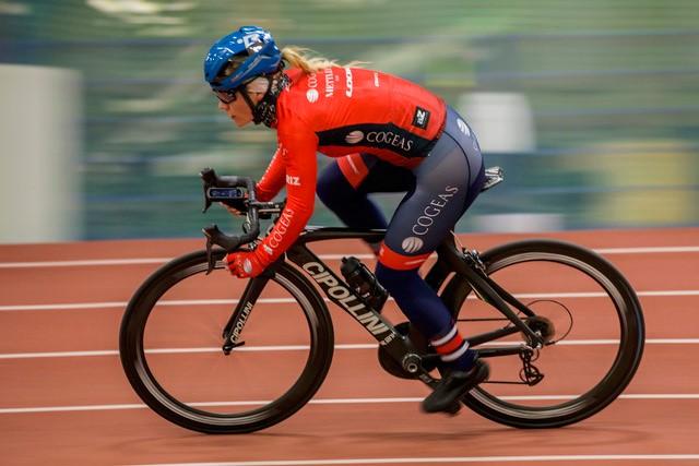 Huippu-urheilija, pyöräilijä Sari Saarelainen